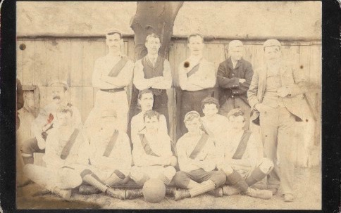 Unknown team with sashes